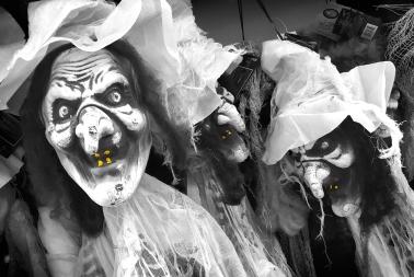 Halloween by Helen Plant
